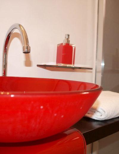 pietra blu dettaglio lavabo bagno