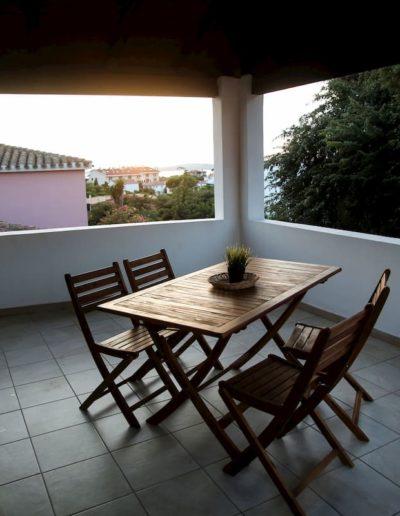 terrazza attrezzata con vista appartamento Perla, Calasetta